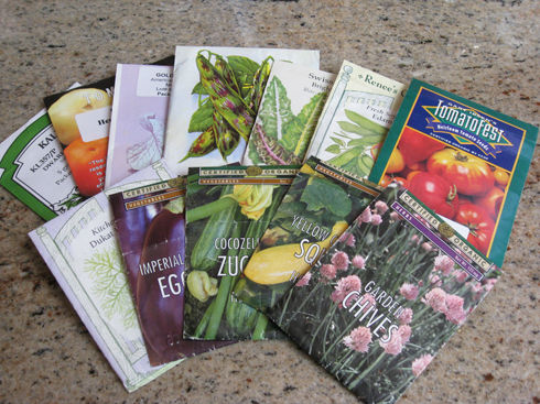 Read more about the article Gardenerd's Summer Potluck and Seed Exchange