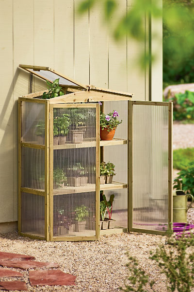 How to build a mini greenhouse