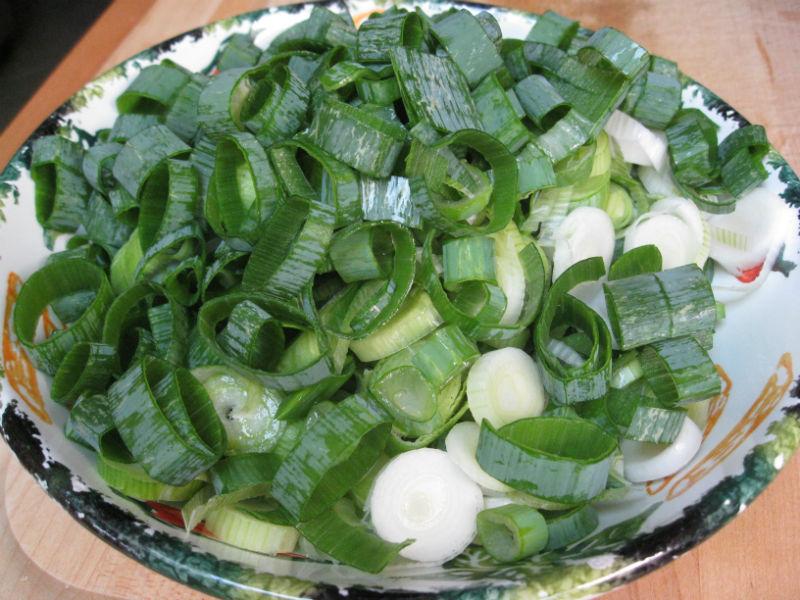Freshly sliced green onions