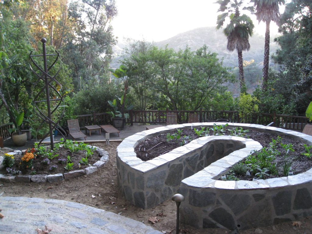 The finished keyhole and flower garden, freshly planted