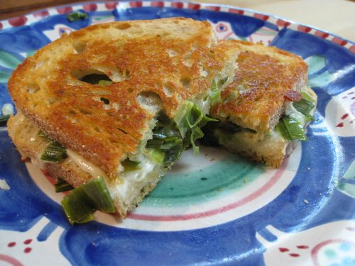 Read more about the article Recipe: Provolone & Leek Grilled Cheese Sandwich