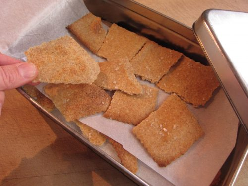 Read more about the article Recipe: Sourdough Crackers