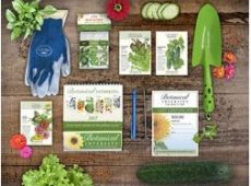 Garden Starter Gift Set gets you going this spring.
