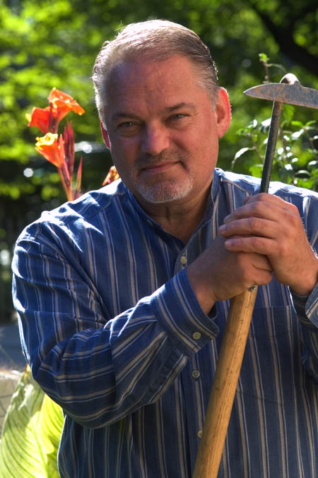 Read more about the article Podcast: Heritage Seeds with William Woys Weaver