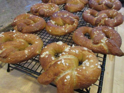 Read more about the article Recipe: Sourdough Soft Pretzels