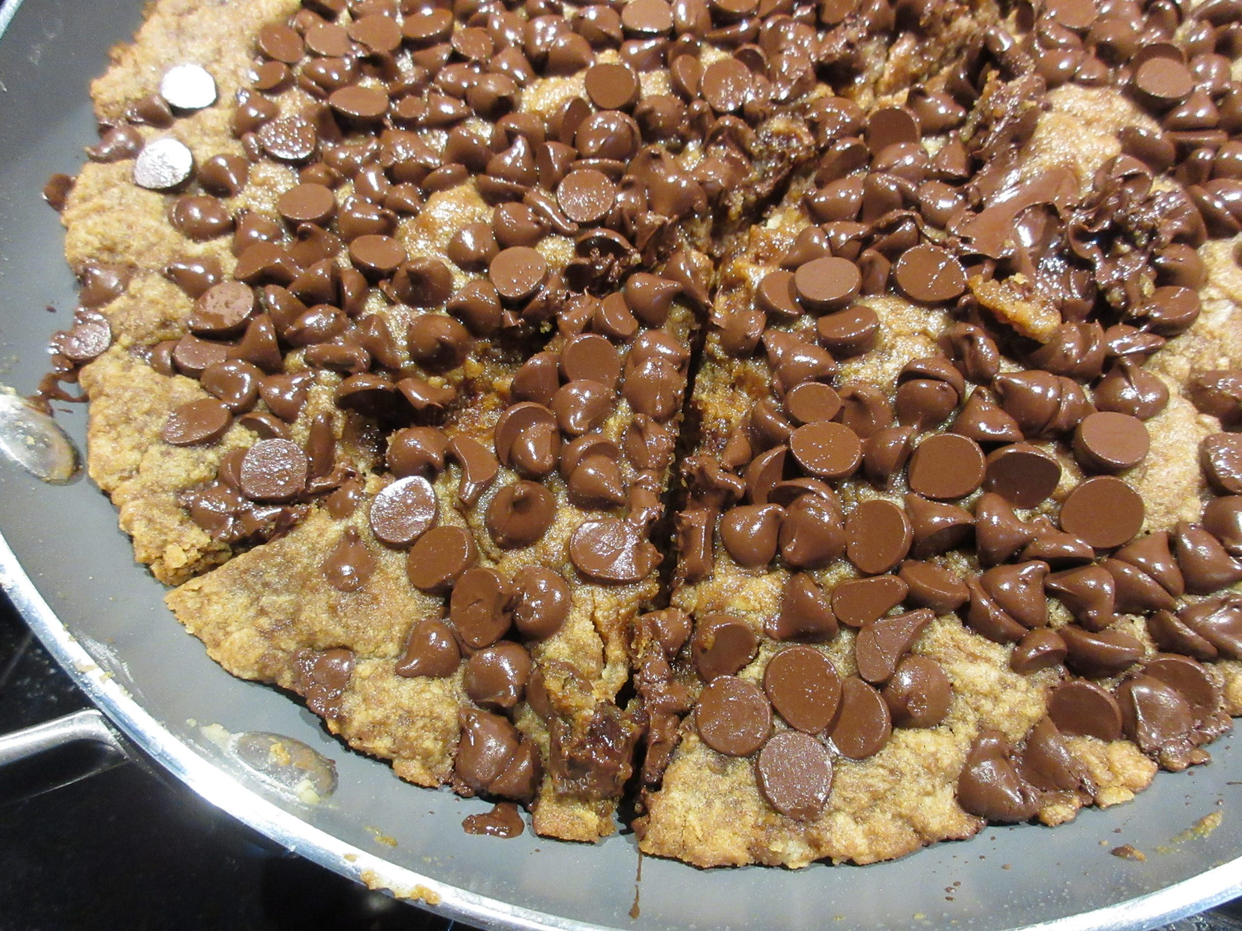 Read more about the article Recipe: Chocolate Chip Pan Cookie